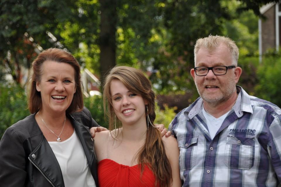 Met mijn vader en moeder tijdens mijn VWO diploma uitreiking