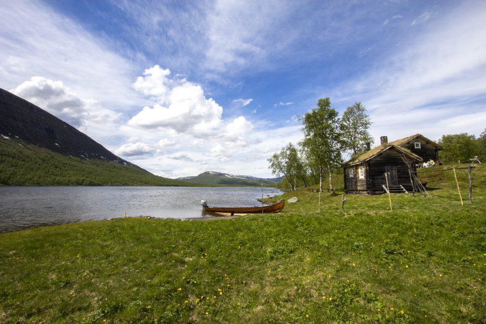 Geunja Sámi Eco Lodge